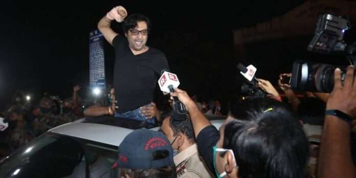 after being released from jail republic tv editor arnab goswami challenged uddhav thackeray