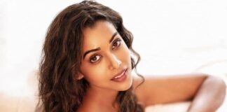 aashram actress anupriya goenka reveals a spiritual leader tried to take advantage of her at the age of 18