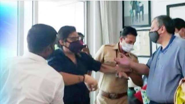 anvay naik suicide case arnab goswami arrested by panvel police