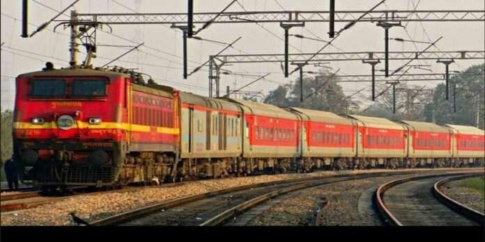 railways clarify no cancellation of trains on mumbai delhi sector
