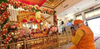 shivsena criticism on pm narendra modi for visit delhi gurudwara