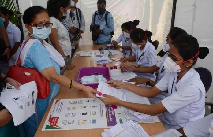 corona vaccine stock ends vaccination centres shut in mumbai