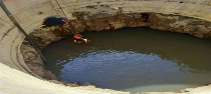 Human skeleton found with car in the well in nashik