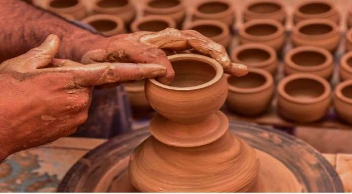 world class potters cluster project at bhadravati will be the top in the world says union minister nitin gadkari