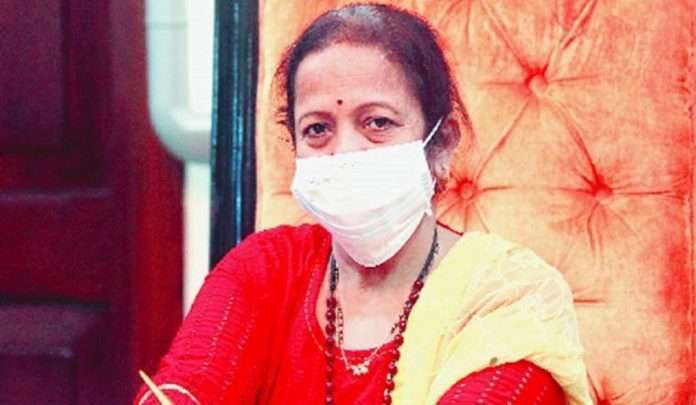 Mayor Kishori Tai Pednekar visited the rape victim