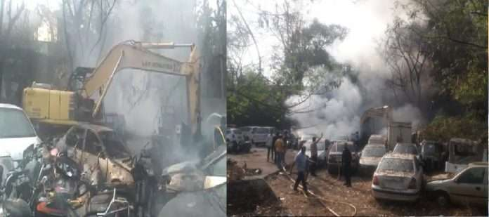 pune janagali road fire incident 30 vehicles burnt in fire
