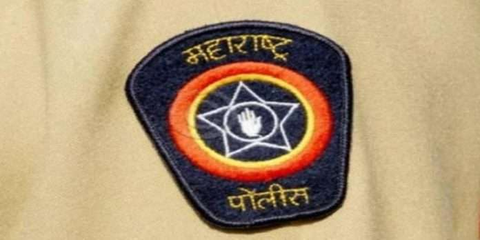 4 police officers suspended for seeking illegal favours from driver in Nagpur yashodhan police station