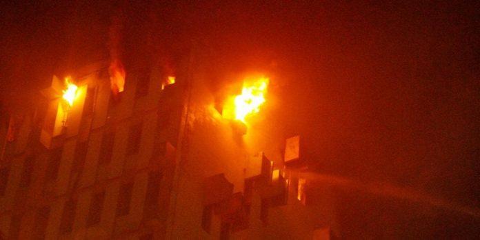 nine die dousing railways building fire in kolkata