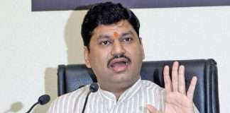 Dhananjay Munde takes strategic decisions regarding various demands of theKhatik society