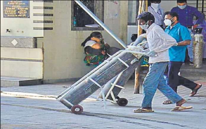 High alert for oxygen shortage in Mumbai by BMC Commissioner