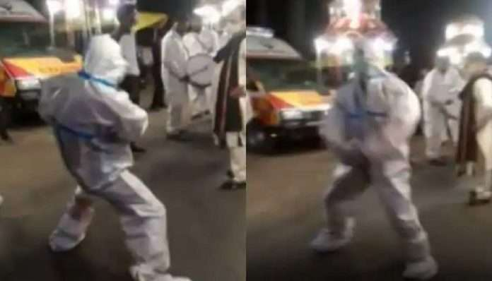 Uttarakhand Ambulance Driver in PPE Kit Breaks into Dance to Cheer up Gloomy Wedding 'Baraat'
