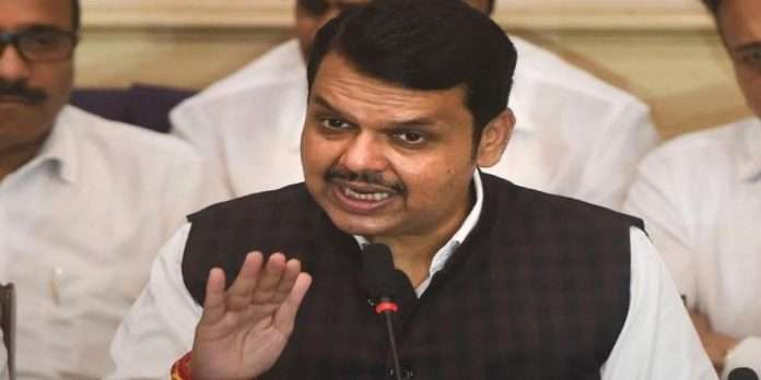 devendra Fadnavis promises to get 2 tankers of oxygen to nashik corona positive rate high in Nashik district's