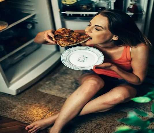 Does eating junk food late at night affect on your work the next day?