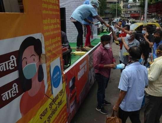 Corona Update Mumbai Huge queue at nair hospital covid center, protest against mini lockdown