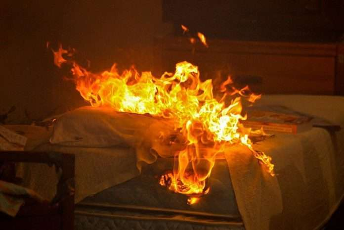 A bed lit by a burning stick in Thane, two grandmothers safe escape from the smoke