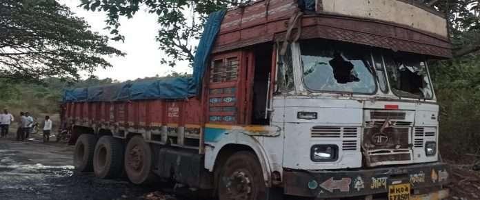 drunken truck driver rammed 8 peoples roha revdanda 3 dead on spot