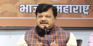 Darekar's question to Mumbai Municipal Corporation Why open a vaccination center if there is no vaccine
