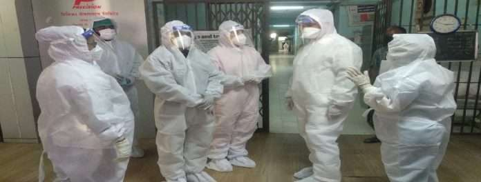 The Guardian Minister of Solapur dattatray bharane inspected the Government Corona Hospital by wearing PPE kit
