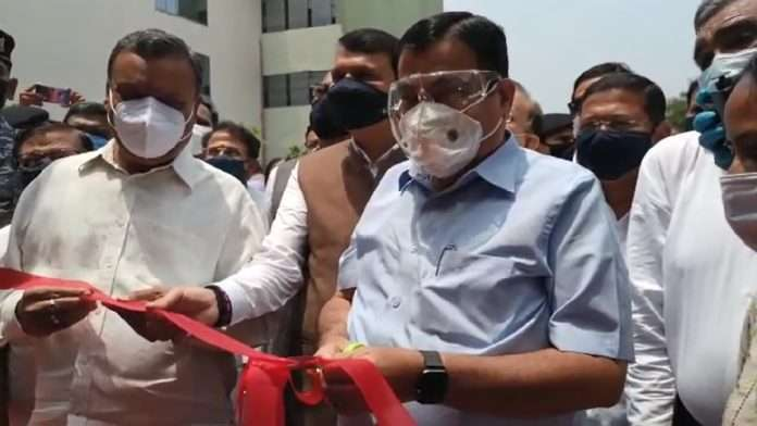 Nitin Gadkari Inaugurate Laboratory and this Mobile Covid Testing Laboratory Provides Quick Report and Treatment