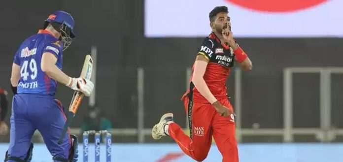 siraj gets wicket of steve smith