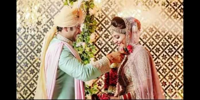 Sugandha Mishra shared a photo of a special wedding moment, a shower of good wishes from the fans