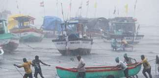 Vijay Vadettiwar announce Rs 250 crore proposal for cyclone tauktae konkan relief package