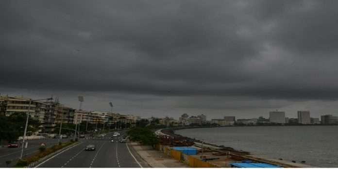 Photo: Pre-Monsoon Entry in Mumbai