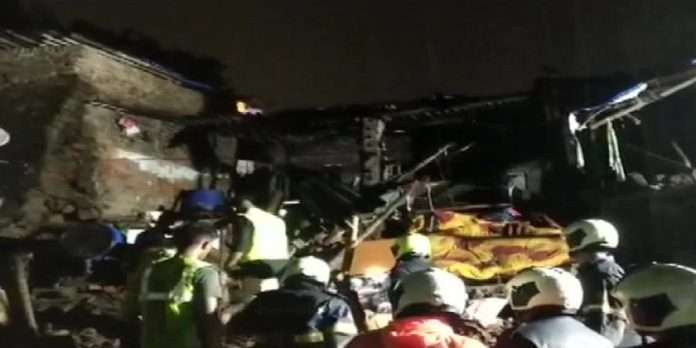 3 houses collapsed today In Dahisar, One dies