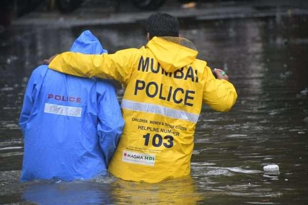 Heavy Rainfalls in MumbaiToday More Rainfall Warning By Imd
