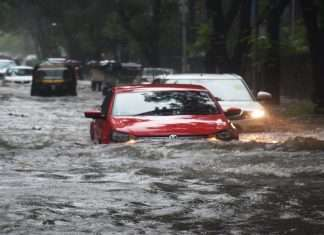 Mumbai Rain: Mumbai, Thane, Palghar received a red alert from the meteorological department today and an orange alert for the next 4 days