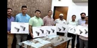 madhya pradesh 21 year old arrested in mumbai crime branch in 10 illegal weapon and 12 magazines seized