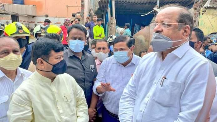 Praveen Darekar alleges Unauthorized constructions in Malad with the help of BMC