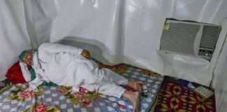 netizens trolled Photo of farmer leader Rakesh Tikait in an air-conditioned room went viral