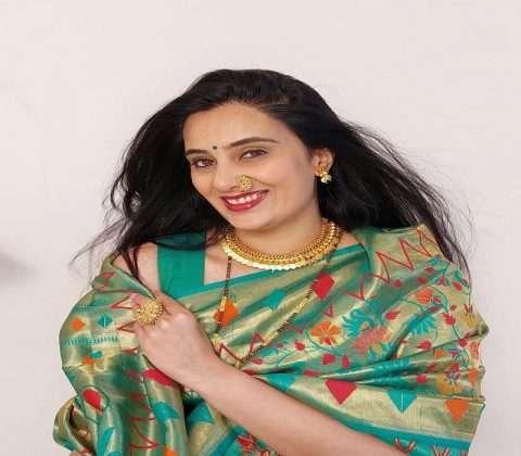 Marathi Actress sai lokur celebrating first vat purnima festival