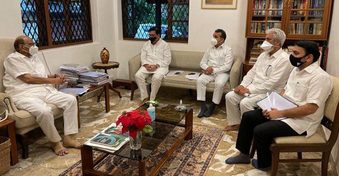 few ministers meet Sharad Pawar