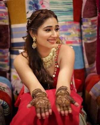 rahul vaidya and disha parmar mehandi ceremony photos viral social media