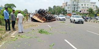 Track accident Nashik
