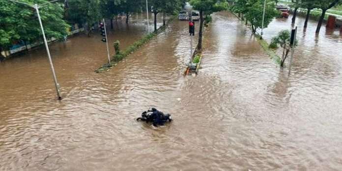 Mumbai Rain Update no water supply in many parts of mumbai due to waterlogging in bhandup pumping