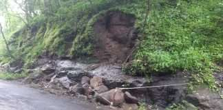 near by pen khopoli road gagodekhind becomes dangerous to the driver