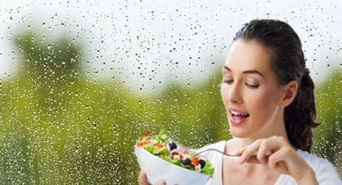 read monsoon healthy diet don't eat spicy and oily food