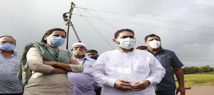Energy Minister inspects flood affected areas in Raigad district