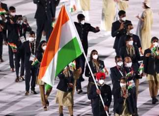 tokyo olympics Manpreet Singh and Mary Kom led India's contingent out during opening ceremony