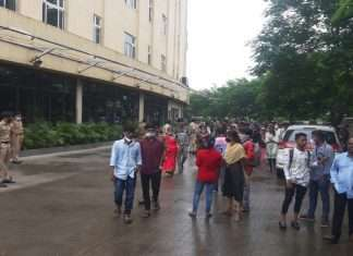 Work stoppage of Global Hospital staff in Thane