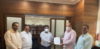 gopal shetty complain to Additional Commissioner at bmc Headquarters over mumbai airport looting incident