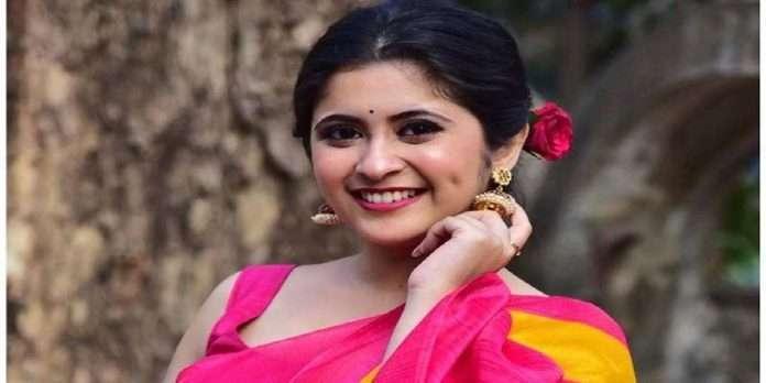 Bigg Boss Marathi season 3 actress gayatri darat in relationship