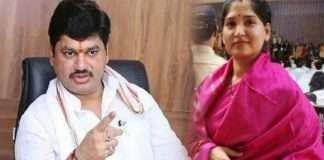Karuna Sharma appears in Ambajogai court