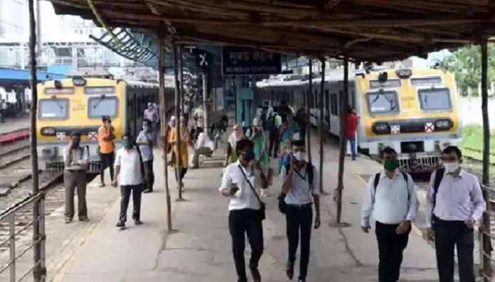 MPSC EXAM candidates allowed to travel in local train