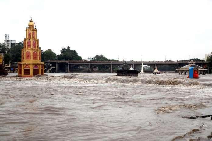 Rain Nashik Godavari