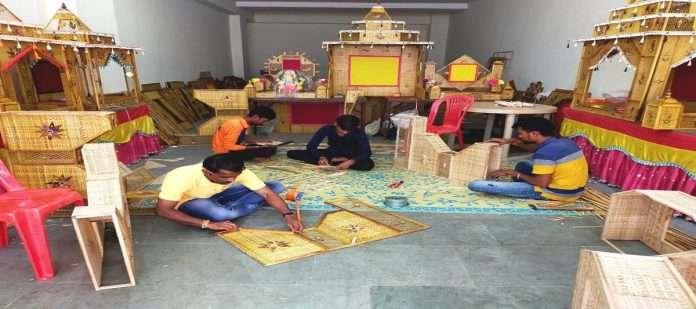 Demand for bamboo makhras for Ganeshotsav in Karjat