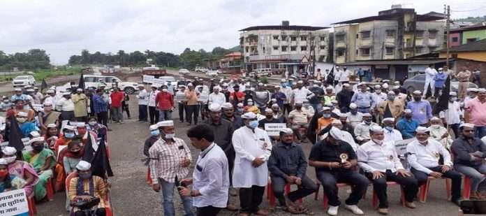 Movement against Mumbai-Goa highway in Poladpur